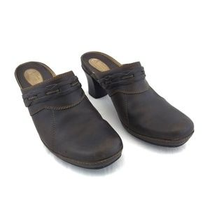 Clarks Artisan Size 10 Clogs Brown Leather Heeled